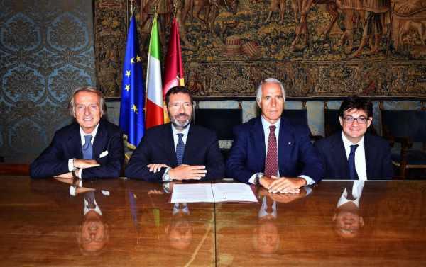 De gauche à droite, Luca di Montezemolo, Président de Rome 2024 ; Ignazio Marino, Maire de Rome ; Giovanni Malago, Président du CONI et Luca Pancalli, Président du Comité Paralympique Italien (Crédits - CONI / Ferdinando Mezzelani / GMT)