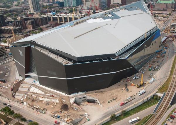 Vue aérienne de l'avancement du chantier (Crédits - Minnesota Vikings / US Bank Stadium)