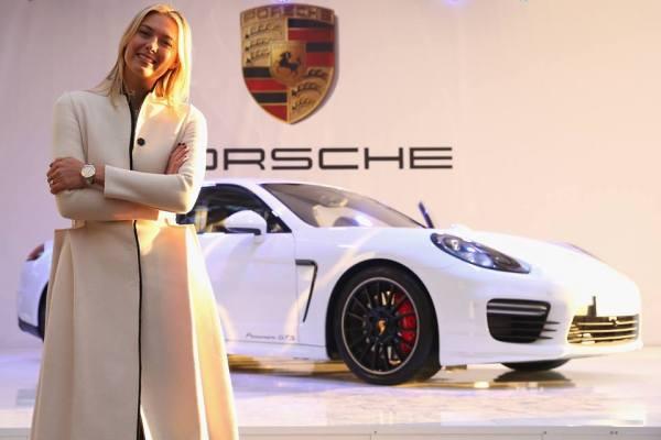 (Crédits - Page Officielle Facebook de Maria Sharapova / Porsche)