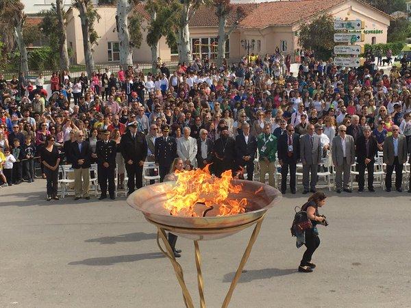La flamme olympique sur l'île grecque de Leucade, le 22 avril 2016 (Crédits - Chama Olímpica)