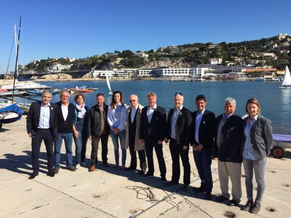 La délégation de World Sailing et celle de la candidature française (Crédits - Paris 2024)