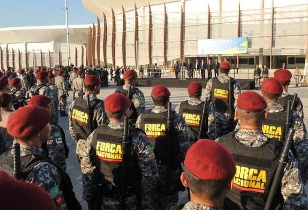 Entraînement de la Force Nationale du Brésil devant les Arenas Cariocas du Parque Olympique de Barra da Tijuca (Crédits - Portail du Gouvernement Brésilien / Isaac Amorim / MJC)