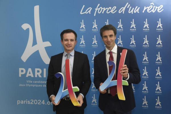 Pierre Yves Bournazel et Tony Estanguet, coprésident de Paris 2024 (Crédits - Pierre-Yves Bournazel / Page Facebook)