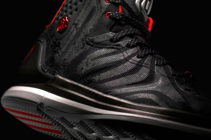 4b8d8d9769e0 ... now available at Footlocker. adidas-d-rose-4.5-bulls-side-view