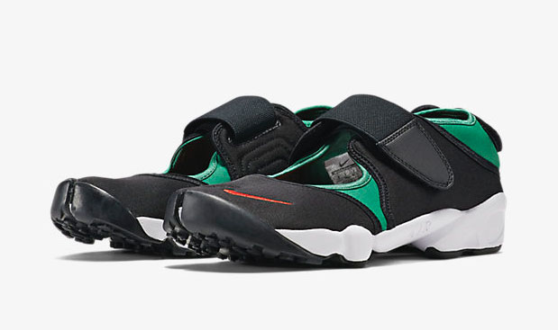 26756d1be61473 The Nike Air Rift Returns for Summer 2015 in Two Original Colorways ...