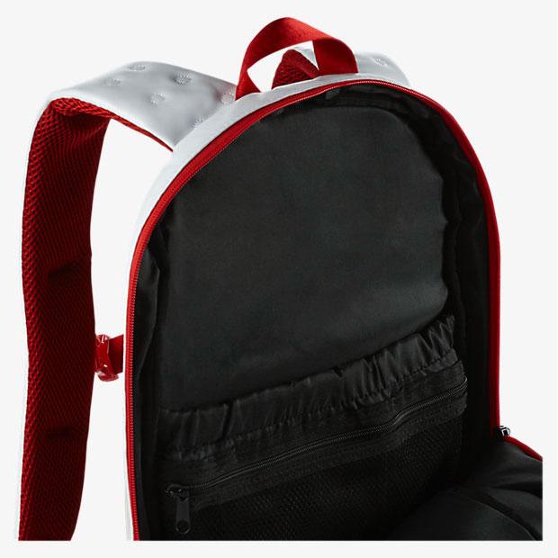 00c40c3a083b air-jordan-13-chicago-backpack-inside