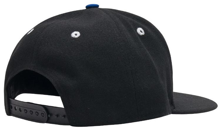55fa59bbd1a8b3 air-jordan-4-alertnate-motorsports-chicago-blackhawks-hat-