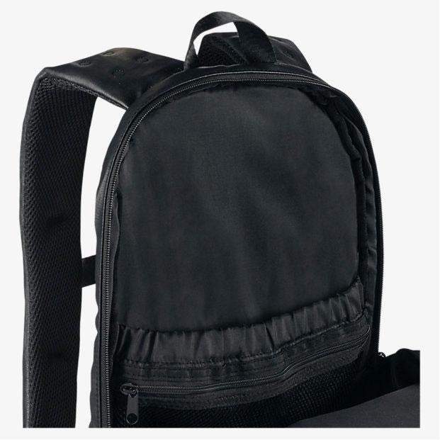 234ee53012c935 air-jordan-13-black-backpack-3