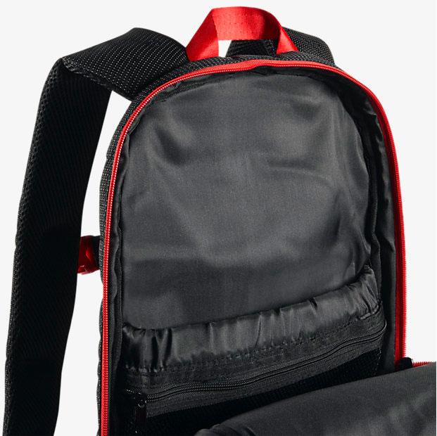 73a77e92dc6b78 air-jordan-13-bred-backpack-3