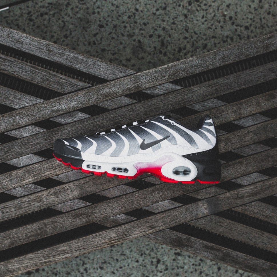 548bef0ce59 Nike Air Max Plus Before and After the Bite Sneakers
