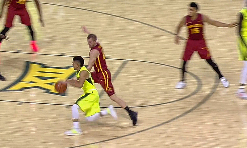 Lecomte hits jumper, No. 2 Baylor beats Iowa State, stays undefeated