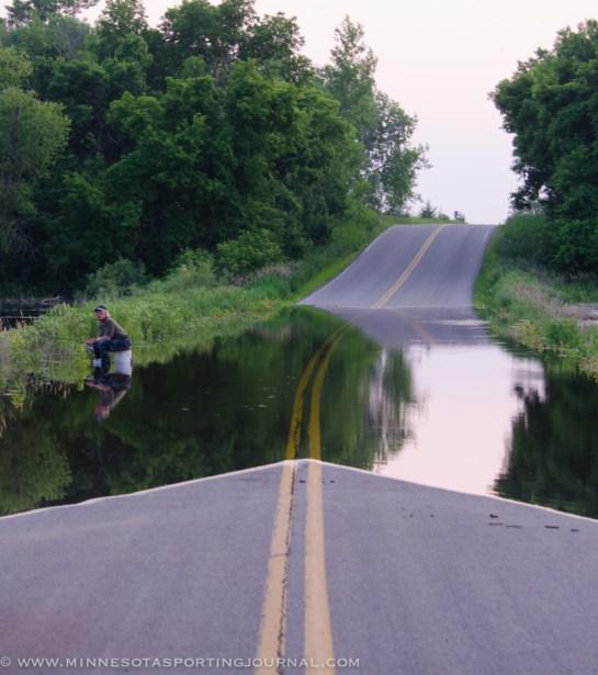 7113 - fishin in the road
