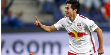 Liverpool plot move for Japan's Minamino in January