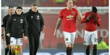 'Embarrassing' Man Utd suffer fresh woe, Tottenham boost top four bid
