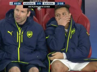 petr cech - Alexis sanchez laughing bayern munic
