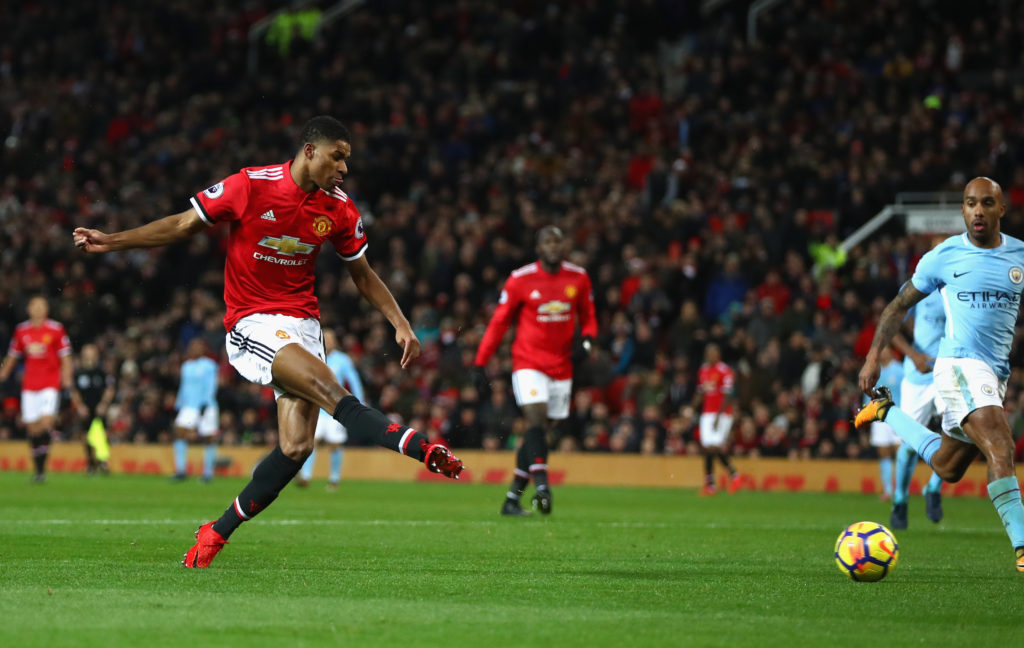 Man United's Marcus Rashford gave out cash to trick-or-treaters — High Velocity Sport