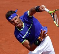 Nadal continúa en Roland Garros entre disputas con el árbitro