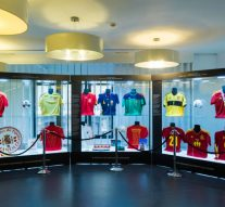 Telefónica Flagship Store (Madrid) expone los trofeos ganados por la Selección Española de Fútbol