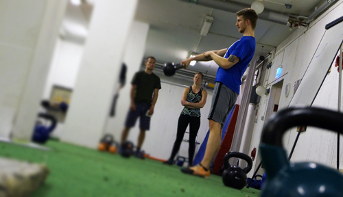 ITP kettlebell kettlebells pt personlig träning personlig träning personlig tränare pt västerås västmanland gym träning träna hälsa må bra fyspass onsdagsfys fredagsfys söndagsfys