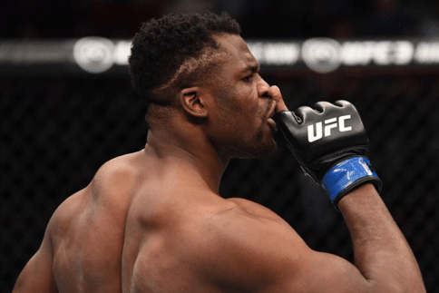 UFC 141 – Francis Ngannou en mode « The Predator »