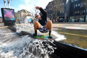 En vidéo – Adrien Raza, ambassadeur du skimboard