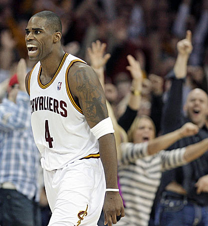 Antawn Jamison scores two of his game-high 35 points to help end the Cavs' record losing skid. (AP)