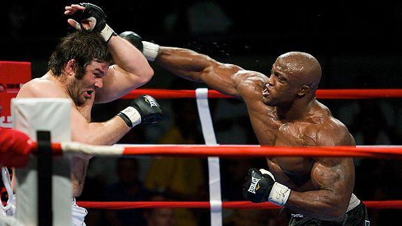 https://i1.wp.com/sports.espn.go.com/photo/2009/0322/mma_f_lashley_576.jpg