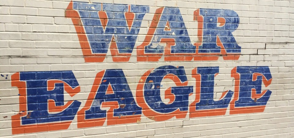Reading – Auburn's athletic department tried to pay for classes players could pass