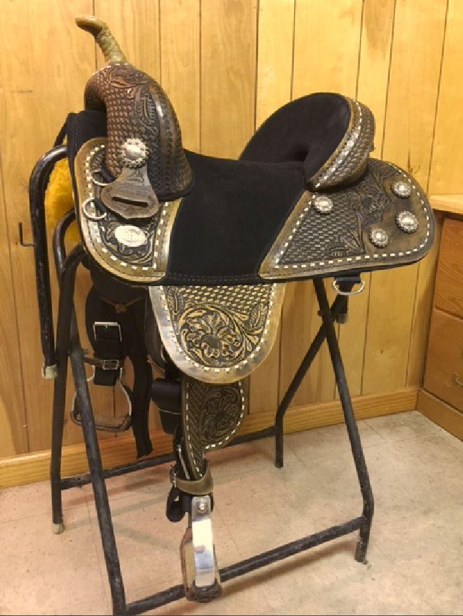 Waylon Barrel Saddle