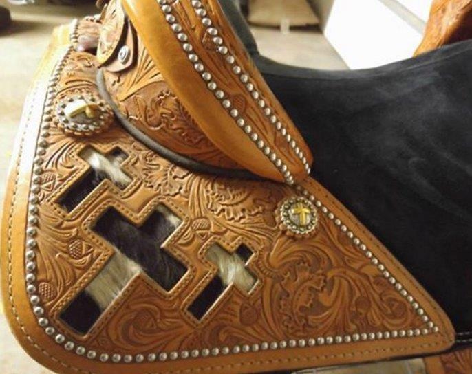 equestrian horse saddle custom barrel