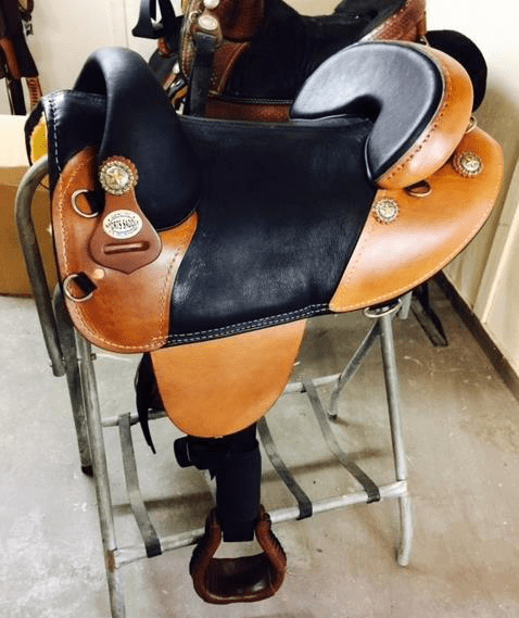 Equestrian horse saddle endurance