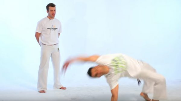 How to Do the Macaco in Capoeira
