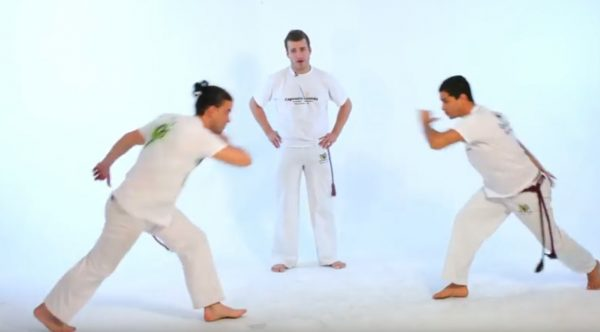 How to Do the Martelo in Capoeira