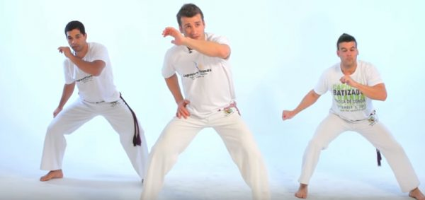 How to Do the Meia-lua de Frente in Capoeira