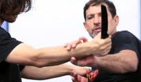How to stop a Knife attack to the throat