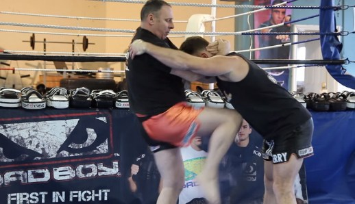 Muay Thai Escaping the Strong Clinch