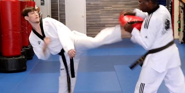 Front Foot Round House Kick in Taekwondo