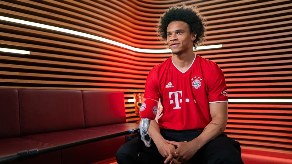 FC Bayern München explained why Leroy Sané did not take pictures under the assigned 10th number