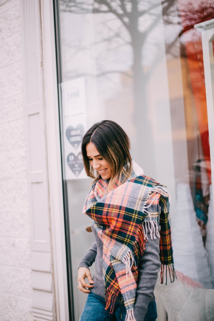 Chicago Fashion Blogger and J.Crew blanket scarf