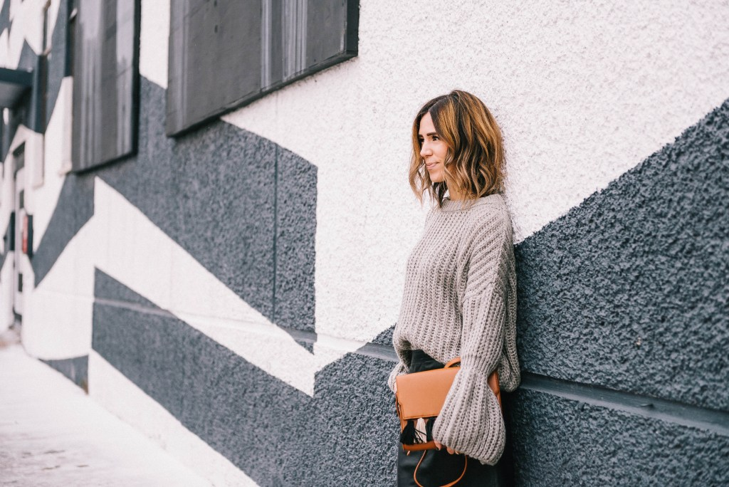 Blogger Mary Krosnjar wearing Grey Bell Sleeve Oversized Sweater