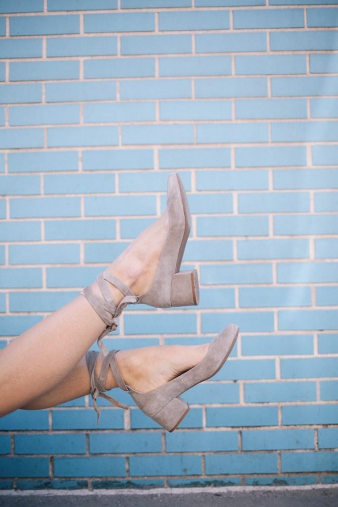 Blogger Mary Krosnjar wearing Charle David grey suede block heels
