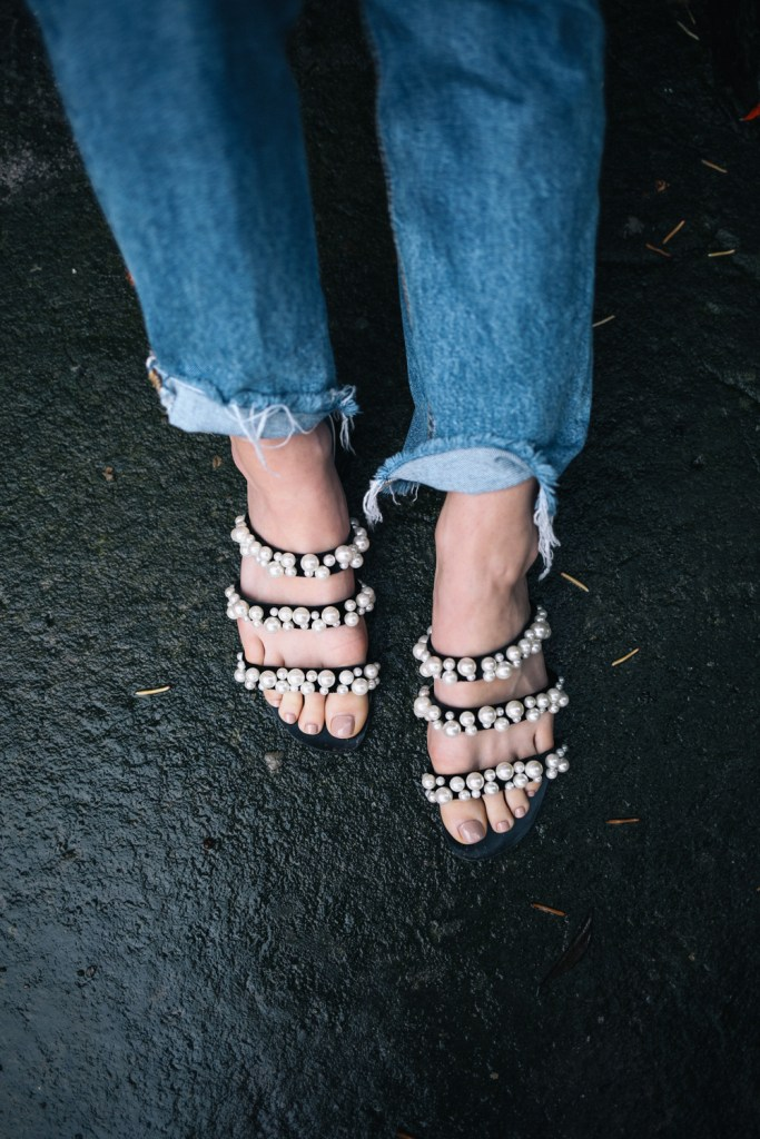 Blogger Mary Krosnjar wearing Zara Pearl Sandals in Bogota Columbia