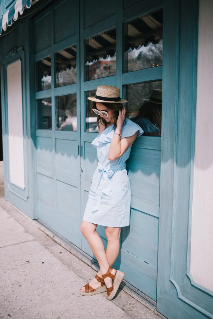 Blogger Mary Krosnjar wearing Audrina Sole Society Espadrilles and Straw Hat
