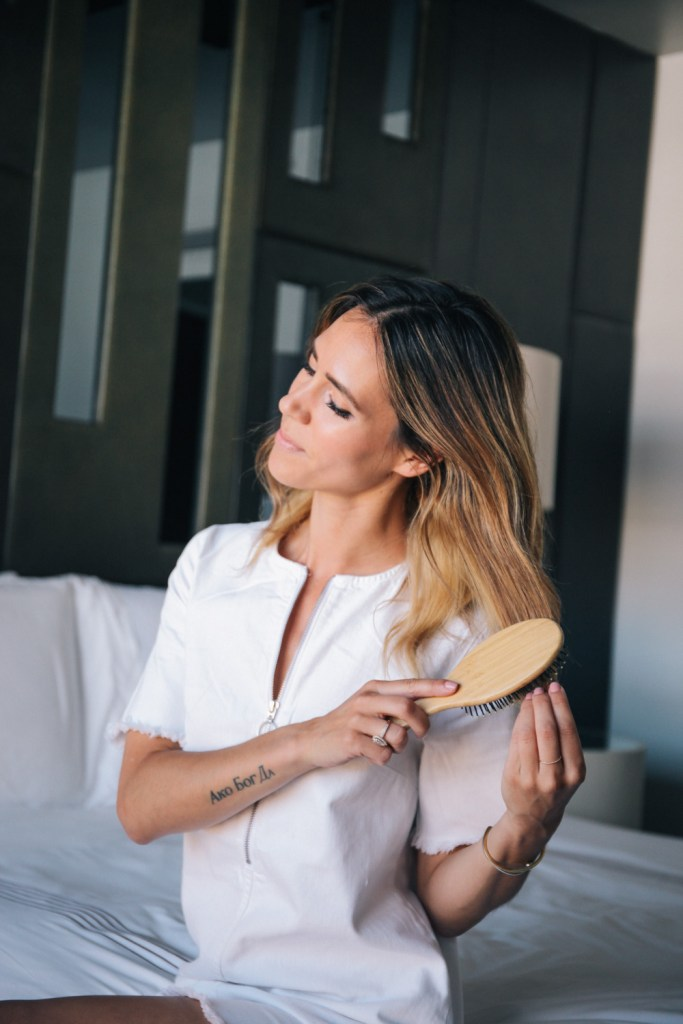 Blogger Mary krosnjar sharing hair care from summer to fall