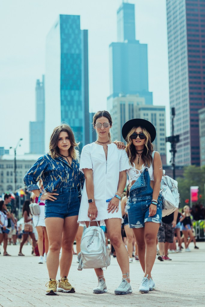 Blogger Mary Krosnjar wearing H&M Denim Dress