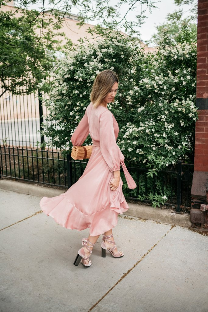 Blogger Mary Krosnjar wearing Valentino Pink Velvet Sandals and Gal Meets Glam Jennifer Dress