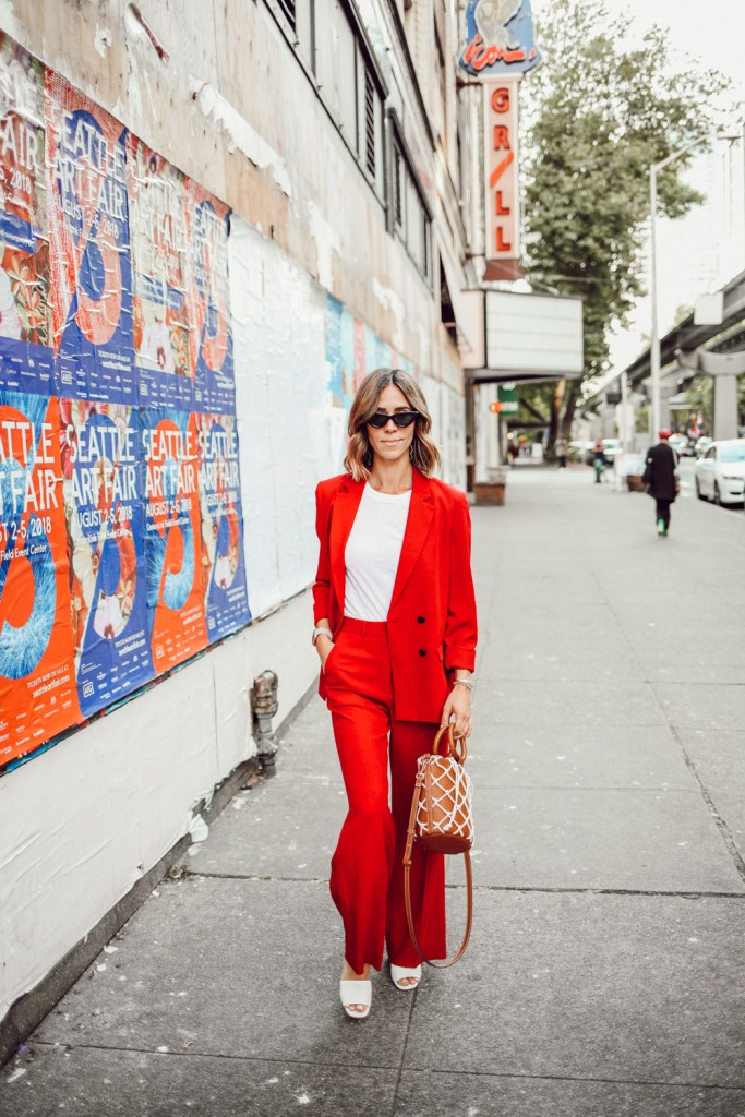 Blogger Mary Krosnjar wearing Topshop Slouch Suit Trousers and Via Spiga Sandals