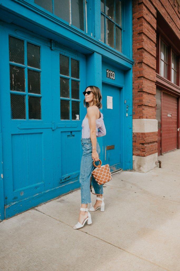 Blogger Mary Krosnjar wearing Via Spiga White Sandals and Mango Net Bag