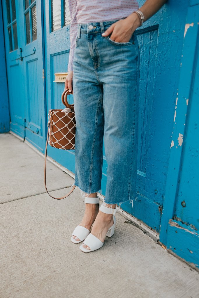 Blogger Mary Krosnjar wearing Topshop Wide Leg denim and Via Spiga Sandals