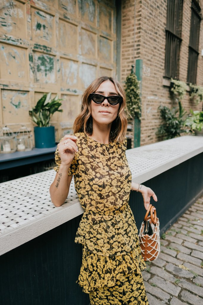 Blogger Mary Krosnjar wearing Who What Wear Floral Top and Mango Bag